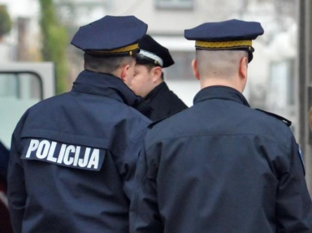 policajci-640x478
