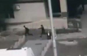 objavljen_snimak_ubojstva_napadaca_koji_je_nozem_nasumicno_napadao_prolaznike