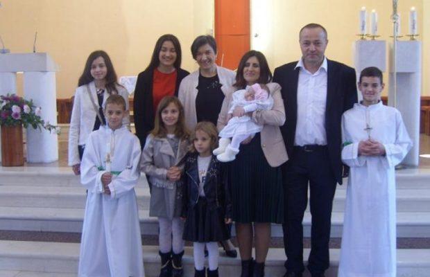 kardinal_puljic_krstio_sesto_dijete_branka_i_ruzice_ivancevic_13